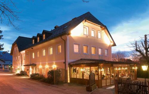 Austria Classic  Hölle, Pension in Salzburg