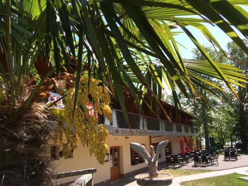 . Hotel Halászkert Badacsony
