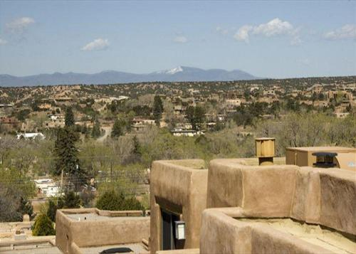 City Views At Alma Compound Two bedroom Holiday Home
