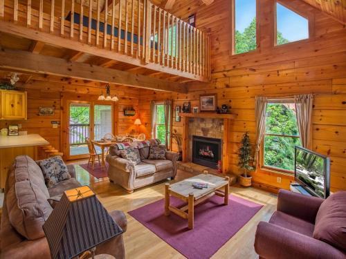 Honey Pot- Three-Bedroom Cabin
