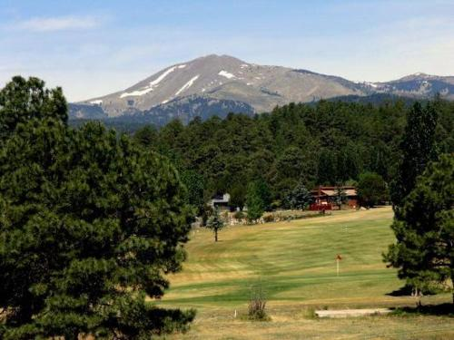 Bear Cave Two-bedroom Holiday Home - Ruidoso, NM 88345