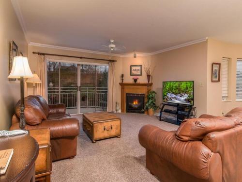 Golf Vista 111- Two-Bedroom Cabin