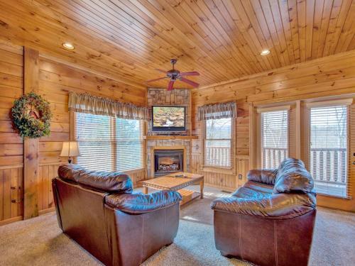 Alpine Nights- Three-Bedroom Cabin