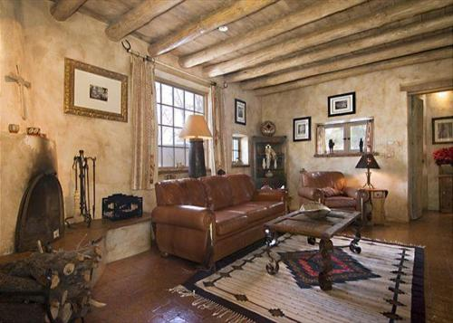 Western Cowboy Two Bedroom Holiday Home
