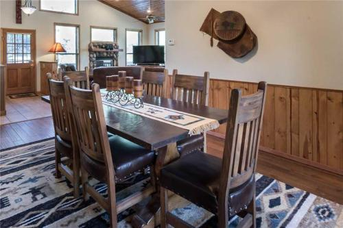 Homer's Hideaway Three-bedroom Holiday Home - Ruidoso, NM 88345
