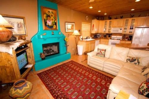 Adobe Hacienda Three-bedroom Holiday Home
