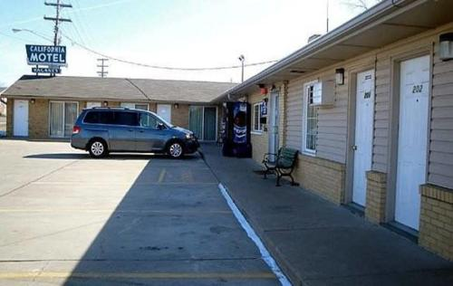 California Motel - California, Missouri
