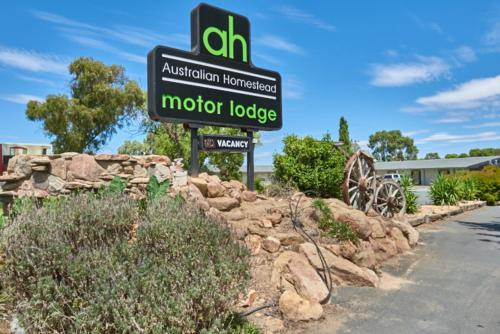 Australian Homestead Motor Lodge