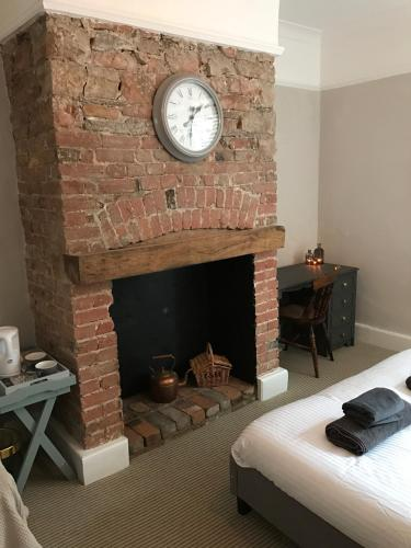 The Woodfield Arms (B&B)