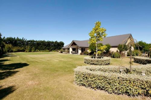 Claremont Country Lodge B&B