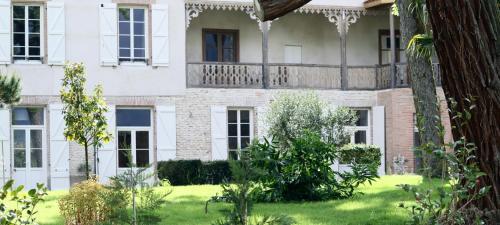 . La Belle Montoise