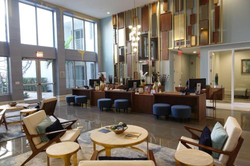 7440 Dadeland By Miami Vacations - Kendall, FL 33156