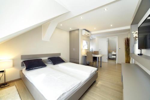 Lovely Studio Apartments phòng hình ảnh