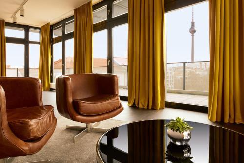 Auguststr. 43/Ecke Rosenthaler Str., Berlin, 10119, Germany.