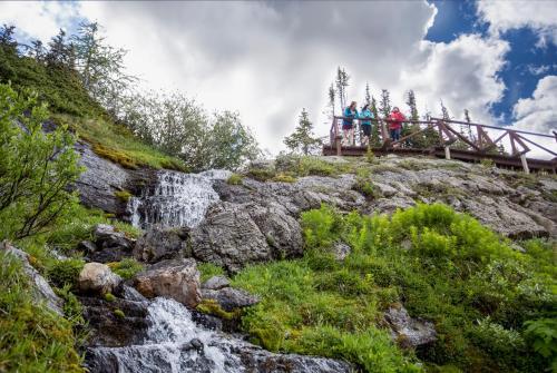 Sunshine Mountain Lodge - Banff, AB T1L 1J5
