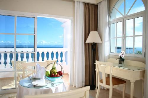 Luxury Bahia Principe Samana - Adults Only salas fotos