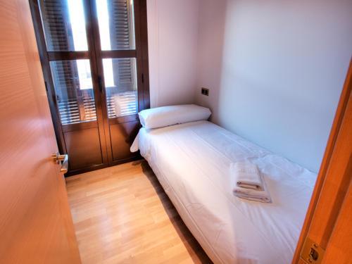 Tamarit Apartments photo 17