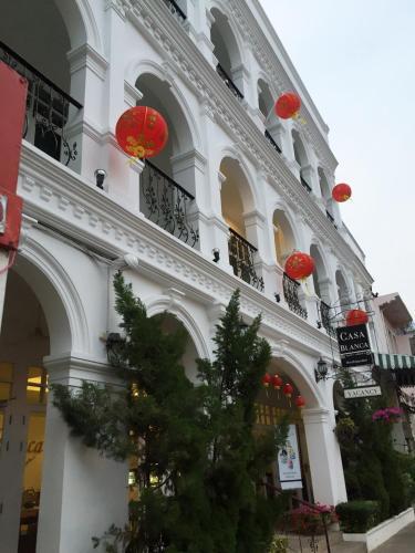 26 Phuket road, Taladyai, Muang, Phuket, Phuket Town, 83000, Thailand.