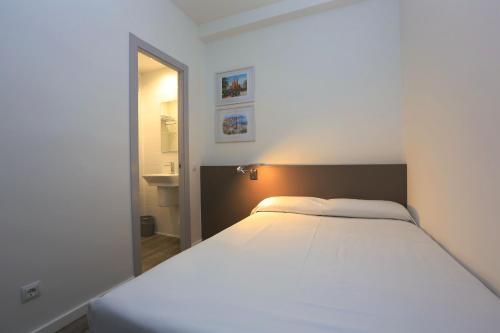 Hotel Alguer Camp Nou photo 27