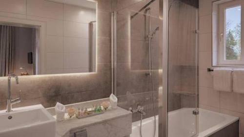 Grand Hotel Sonnenbichl In Garmisch Partenkirchen Germany 80 Reviews Price From 188 Planet Of Hotels