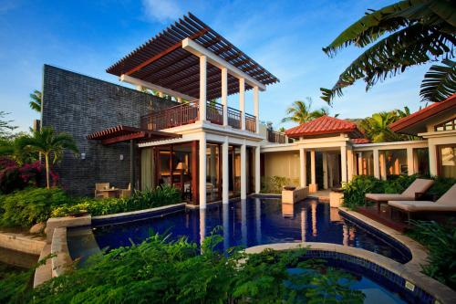 Spa Sanctuary Pool Villa (Stay 4 nights and get one set of floating dinner for free)