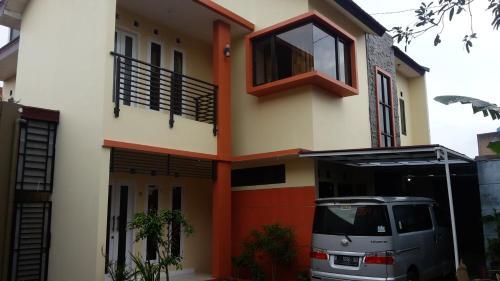 A Hotel Com Kembang Turi Guest House Bandung Indonesia Online