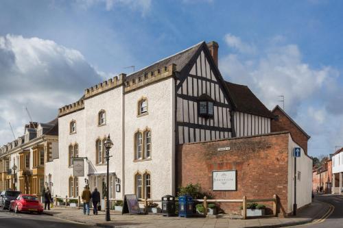 16 Church Street, Stratford-upon-Avon, Warwickshire CV37 6HB, England.