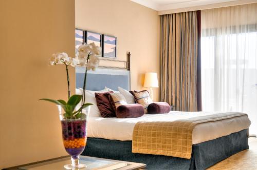 Corinthia Hotel St. George's Bay фото номерів
