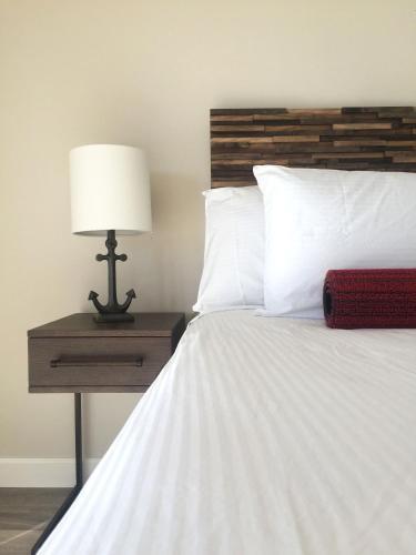 Breakers Motel - Morro Bay, CA 93442
