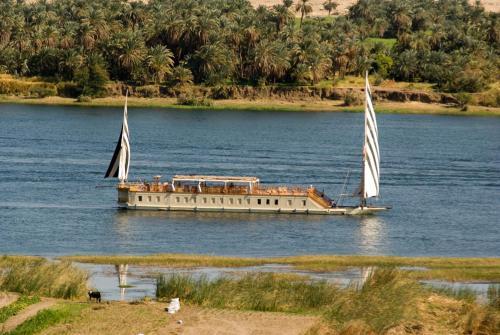 Hotel Dahabeya Queen Farida Sailing Boat - 5 nights every Sunday from Esna to Aswan/ 2 nights Every Friday from Aswan to Esna