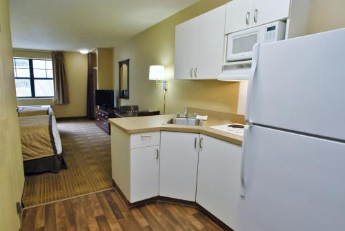 Extended Stay America - Pittsburgh - Carnegie - Carnegie, PA 15106