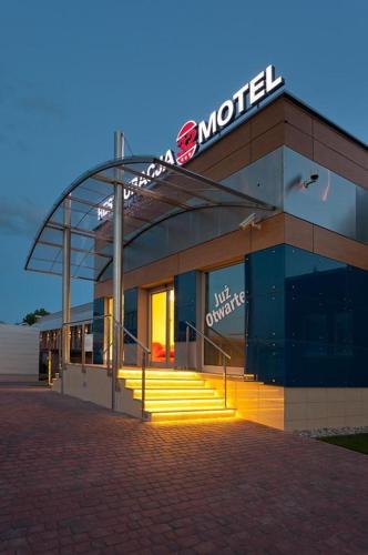. Restauracja 32 Motel