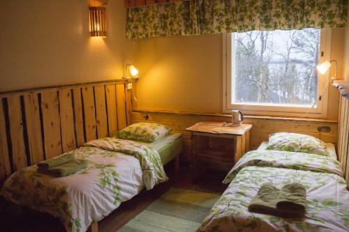Hotel Korpikartano, Meneskartanontie 71, 99870 Inari, Finland.