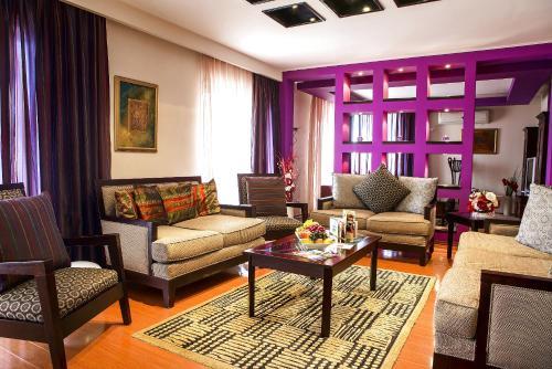 . Phoenicia Suites Baneasa
