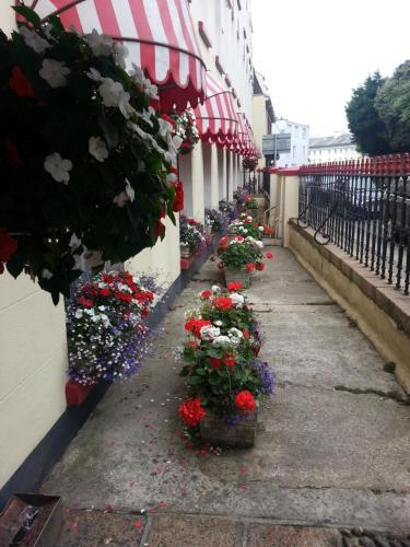 Mornington Hotel - Photo 2 of 24