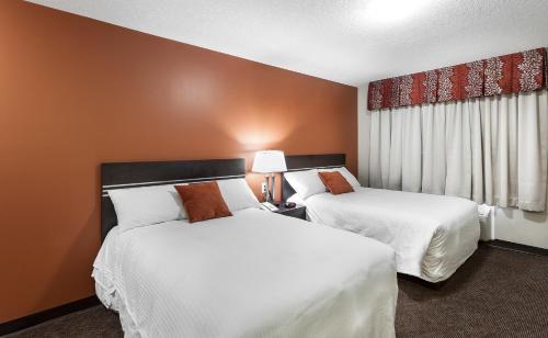 Royal Lodge - Edmonton, AB T6J 5H2