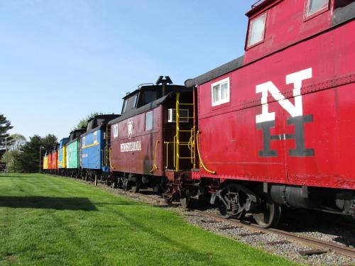 Red Caboose Motel Hotel Ronks in PA