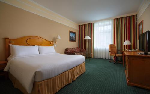 Moscow Marriott Grand Hotel - image 6