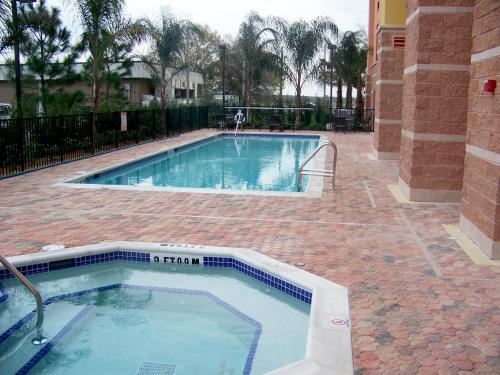 Hampton Inn & Suites Orlando-South Lake Buena Vista - Kissimmee, FL 34746