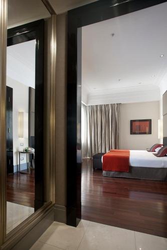 Savoy Hotel photo 42
