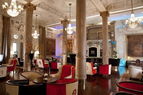 Savoy Hotel photo 43