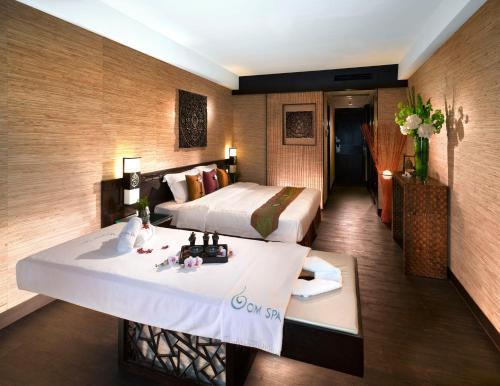 Regal Riverside Hotel photo 4