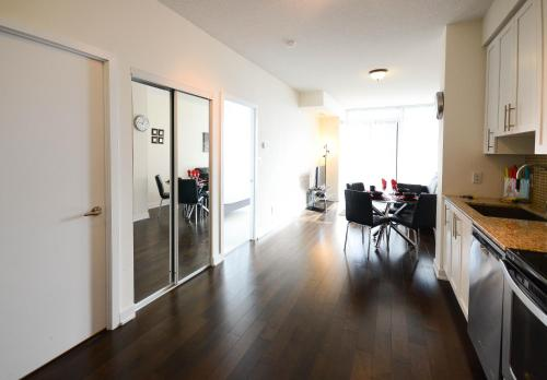 Executive Furnished Properties - Square One Mississauga (B&B)