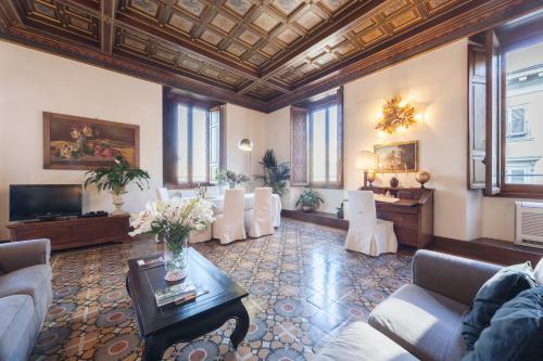 Santa Maria Fiore Apartment, Pension in Florenz