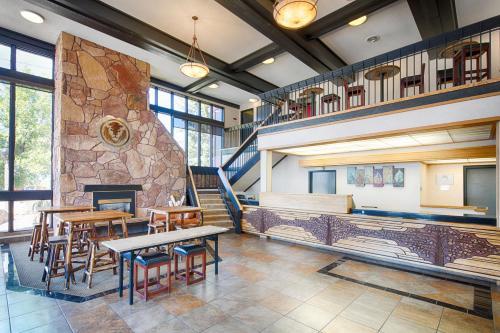 Red Lion Inn Missoula - Missoula, MT 59802