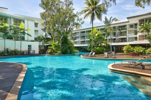 . Palm Cove Beach Apartment