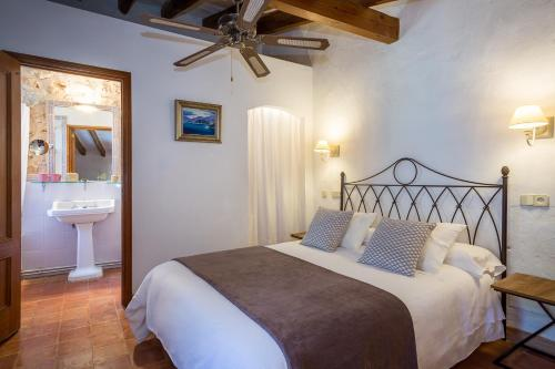 Standard Doppel- oder Zweibettzimmer Finca Hotel Es Castell 5