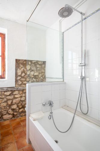 Superior Doppelzimmer mit Terrasse Finca Hotel Es Castell 17