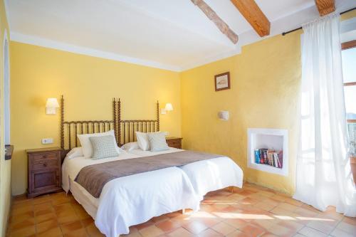 Superior Doppelzimmer mit Terrasse Finca Hotel Es Castell 7