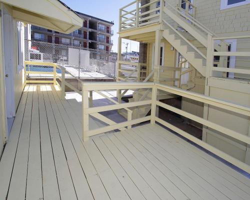 Shore Beach Houses - 38 D Lincoln Avenue - Seaside Heights, NJ 08751